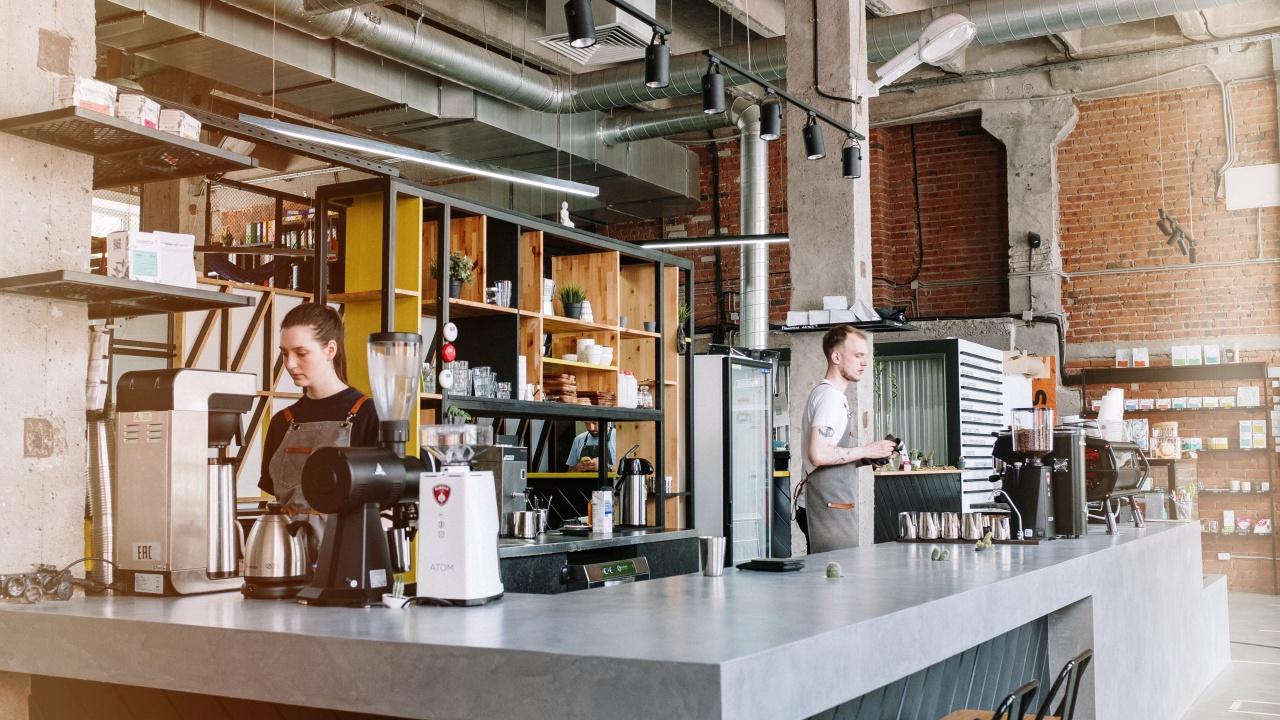 Nên lựa chọn quán cà phê rang xay tại chỗ